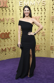 D'Arcy Carden was modern and elegant in an asymmetrical off-the-shoulder gown by Romona Keveza at the 2019 Emmys.