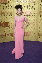 Sandra Oh was sweet and glam in a pink off-the-shoulder column dress by Zac Posen at the 2019 Emmy Awards.