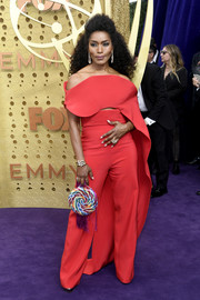 Angela Bassett rocked a red off-the-shoulder top by Antonio Grimaldi Couture at the 2019 Emmy Awards.