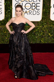 Taryn Manning was a rocker princess in her voluminous black Oscar de la Renta strapless gown at the Golden Globes.