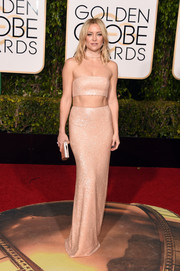 Kate Hudson flaunted her incredibly toned abs in a shimmery blush cutout gown by Michael Kors at the Golden Globes.