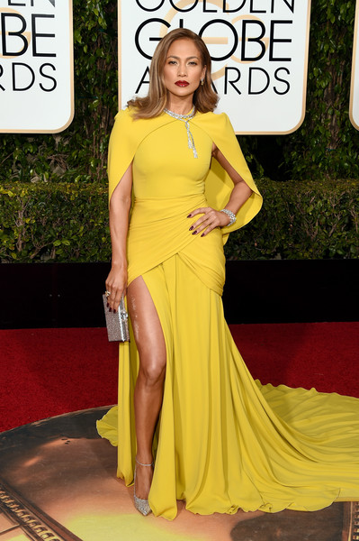 Jennifer Lopez in Giambattista Valli, 2016 Golden Globes