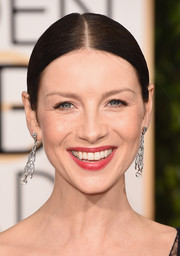 'Outlander' star Caitriona Balfe rocked barely-there eyeshadow with just a hint of liner at the 2016 Golden Globes.