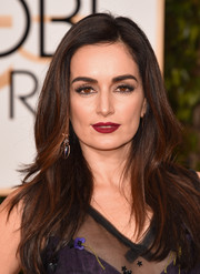 Ana De La Reguera amped up the glamour at the 2016 Golden Globes with dramatic false eyelashes.