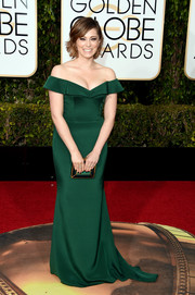 Rachel Bloom was a classic beauty at the Golden Globes in an emerald-green off-the-shoulder gown by Christian Siriano.