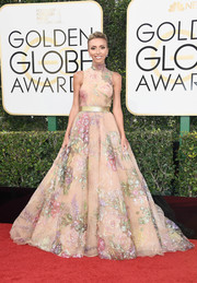 Giuliana Rancic made us swoon with this Rani Zakhem hand-painted princess gown that she wore to the Golden Globes!