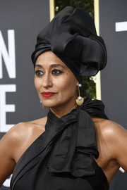 Tracee Ellis Ross looked stunning wearing this black satin turban by Marc Jacobs at the 2018 Golden Globes.