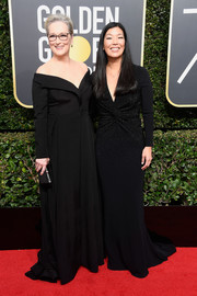 Meryl Streep kept it classic in a black off-the-shoulder gown by Vera Wang at the 2018 Golden Globes.