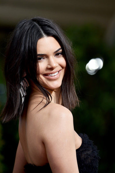 More Pics of Kendall Jenner Dangling Diamond Earrings (3 of 20) - Dangle Earrings Lookbook - StyleBistro [hair,face,hairstyle,beauty,lady,black hair,skin,eyebrow,lip,long hair,arrivals,kendall jenner,beverly hills,california,the beverly hilton hotel,golden globe awards,annual golden globe awards]