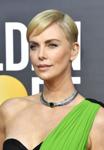Charlize Theron was summer-chic with her short side-parted 'do at the 2020 Golden Globes.