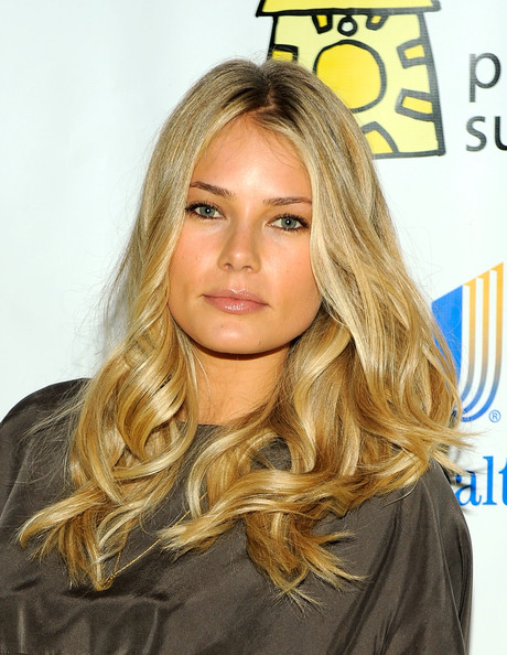 Model Tori Praver showed off her long curls while attending the Project Sunshine Benefit in New York City.