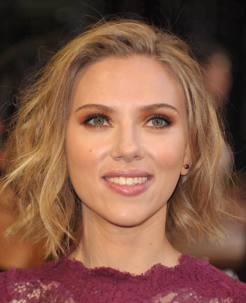 More Pics of Scarlett Johansson Metallic Eyeshadow (1 of 115) - Scarlett Johansson Lookbook - StyleBistro