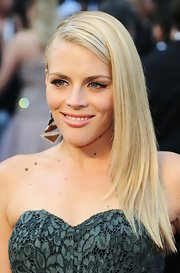 Busy Philipps attended the 2012 Academy Awards wearing her hair long, straight and side-swept.