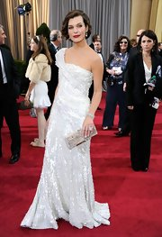 Milla Jovovich accessorized her ensemble at the 2012 Academy Awards with a diamond cuff bracelet.