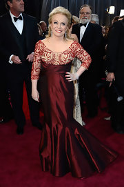 Jacki Weaver opted for an elegant scarlet gown with sequin sleeves for her look at the 2013 Oscars.