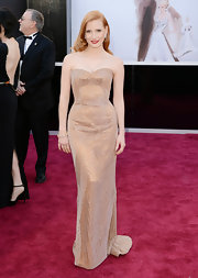 Jessica Chastain looked radiant on the red carpet in a beaded strapless sweetheart gown at the 2013 Oscars.