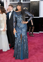 Jennifer Hudson showed off her smoking body at the 2013 Oscars with a long-sleeve blue sequin gown.