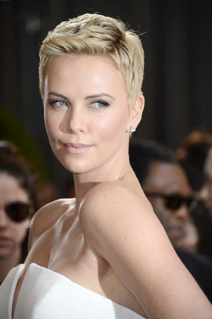 Actress Charlize Theron arrives at the Oscars at Hollywood & Highland Center on February 24, 2013 in Hollywood, California.