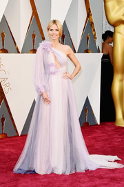 Heidi Klum was a bohemian fairy at the Oscars in a voluminous lavender one-shoulder gown by Marchesa.