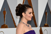 Tina Fey was retro-chic at the Oscars with this voluminous braided bun.