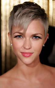 Ruby Rose showed off her cute pixie cut while hitting the ASTRA Awards.