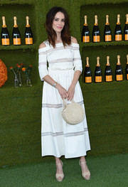 Abigail Spencer paired her dress with nude platform peep-toes.