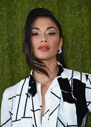 Nicole Scherzinger's red lipstick looked beautiful juxtaposed with her monochrome dress.