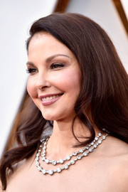 Ashley Judd attended the 2018 Oscars wearing a layered diamond necklace by Bulgari.