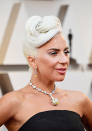 Lady Gaga rocked an elaborate pompadour at the 2019 Oscars.