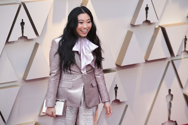 More Pics of Awkwafina Box Clutch (1 of 4) - Clutches Lookbook - StyleBistro [clothing,fashion,outerwear,fashion design,fashion model,street fashion,coat,top,blazer,jeans,arrivals,awkwafina,academy awards,hollywood,highland,california,annual academy awards]