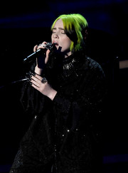 Billie Eilish performed at the Oscars wearing a huge sparkling ring.