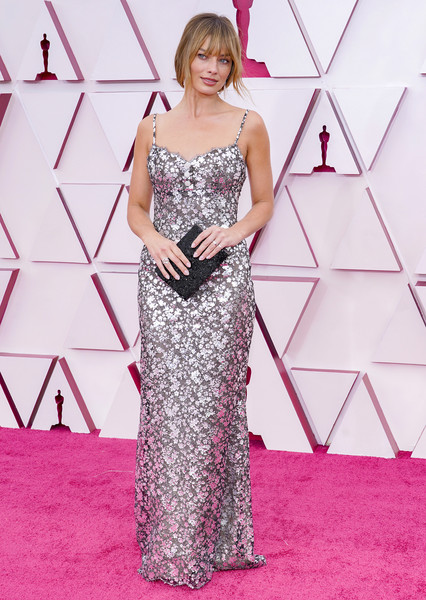 Margot Robbie looked sensational in a metallic lace slip gown by Chanel Couture at the 2021 Oscars.