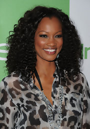 Garcelle showed off her shoulder length curls while hitting the Instyle party.
