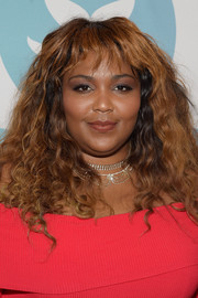 Lizzo accessorized with a delicate choker at the 2017 Shorty Awards.