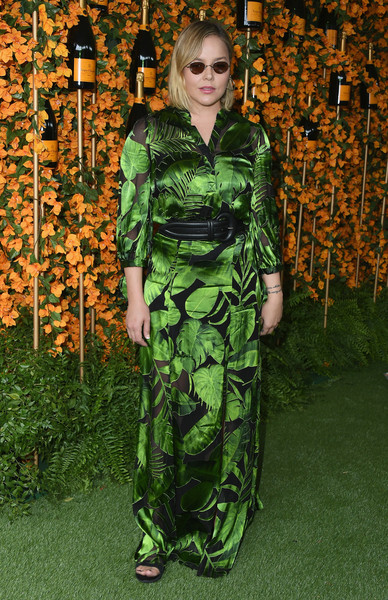 Abbie Cornish brought some tropical flavor to the Veuve Clicquot Polo Classic Los Angeles with this leaf-print maxi shirtdress by Alice + Olivia.