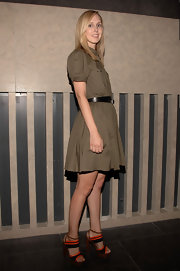 Jane showed off her orange and tan platform sandals while hitting a fashion event in NYC.