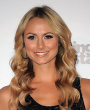 Stacy Keibler showed off her long center part waves while hitting the 'Dancing with the Stars' 200th Episode.