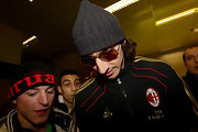 Zlatan Ibrahimovic wore a grey cap and aviator sunglasses while traveling through the Malpensa Airport.