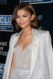 Zendaya Coleman looks glamorous in this side-parted curled 'do