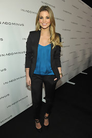 Amber is right on trend in this fitted blazer over a colorful blouse.