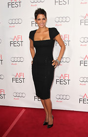 Halle Berry was the picture of sophistication in timeless black Gucci pumps. The pointy toe heels paired perfectly with a formfitting Elie Saab dress.