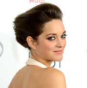Marion's hair defied gravity with this alien-esque yet super romantic 'do at the 'Rust and Bone' premiere.