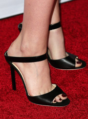 Kristen Stewart chose black slingback sandals to accompany her look at the AFI FEST 2014 screening of 'Still Alice.'
