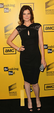 Betsy Brandt hit the Season 4 premiere of 'Breaking Bad' in a chic cap-sleeve LBD.
