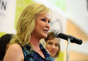 Kathy Hilton sported a shoulder-length layered cut at the Aruba in Style soiree.