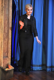 Abigail Breslin paired a cool leather jacket with studs with her maxi dress for a rocker vibe on 'Jimmy Fallon.'