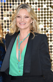 Kate Moss accessorized with a super-chic turquoise lariat necklace at the world premiere of 'Absolutely Fabulous: The Movie.'
