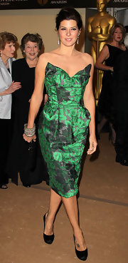 Marisa looked stunning in Vivienne Westwood Couture. The green and black print with a vintage silhouette were divine.