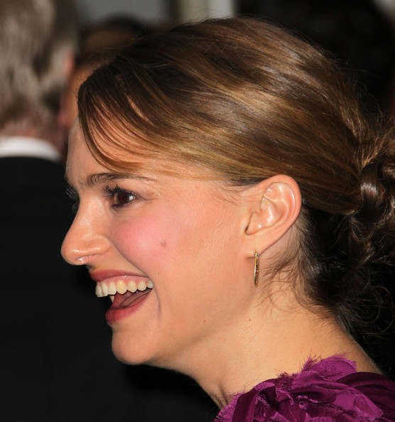 More Pics of Natalie Portman Gold Hoops (1 of 17) - Natalie Portman Lookbook - StyleBistro