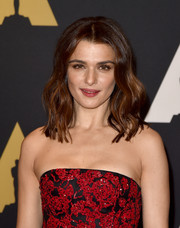 Rachel Weisz looked as lovely as ever wearing this center-parted wavy 'do at the Governors Awards.